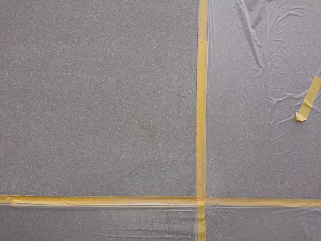 樹脂モルタル充填箇所とその周囲をぼかすように塗装